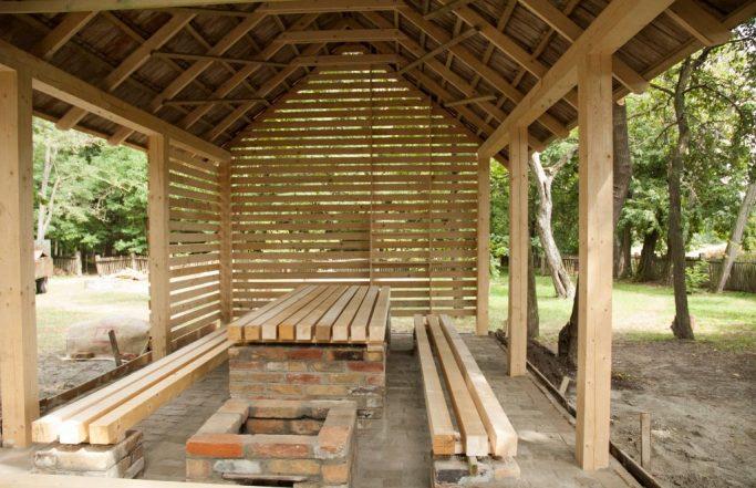Iszkáz – építőtábor Nagy László szülőházánál